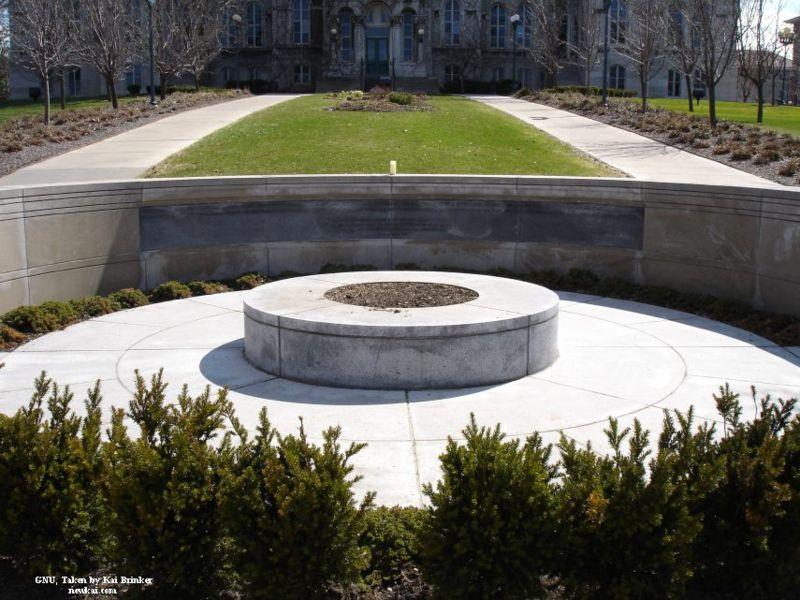 800px-Syracuse_University_Flight_103_Memorial